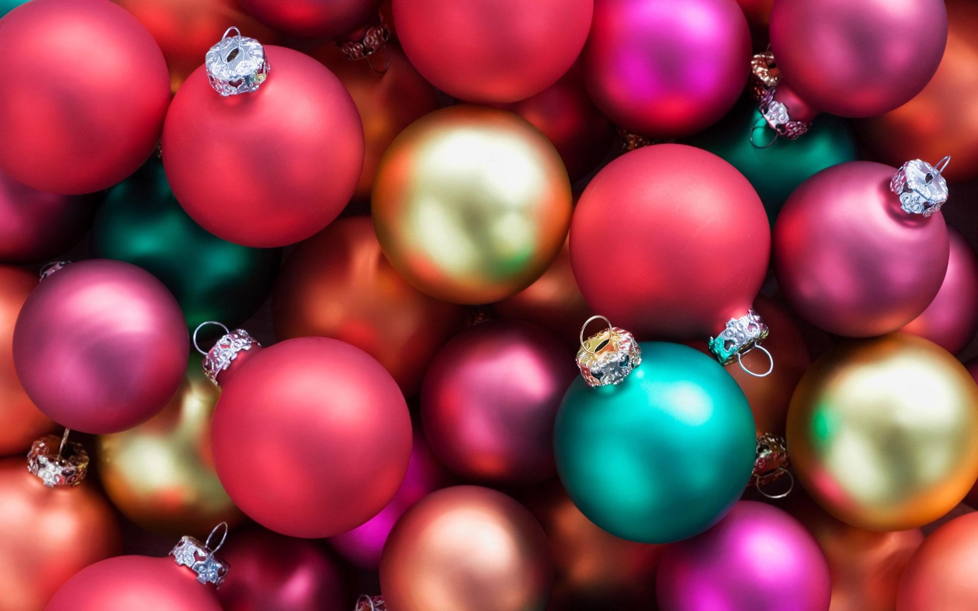 Bolas de Navidad de muchos colores