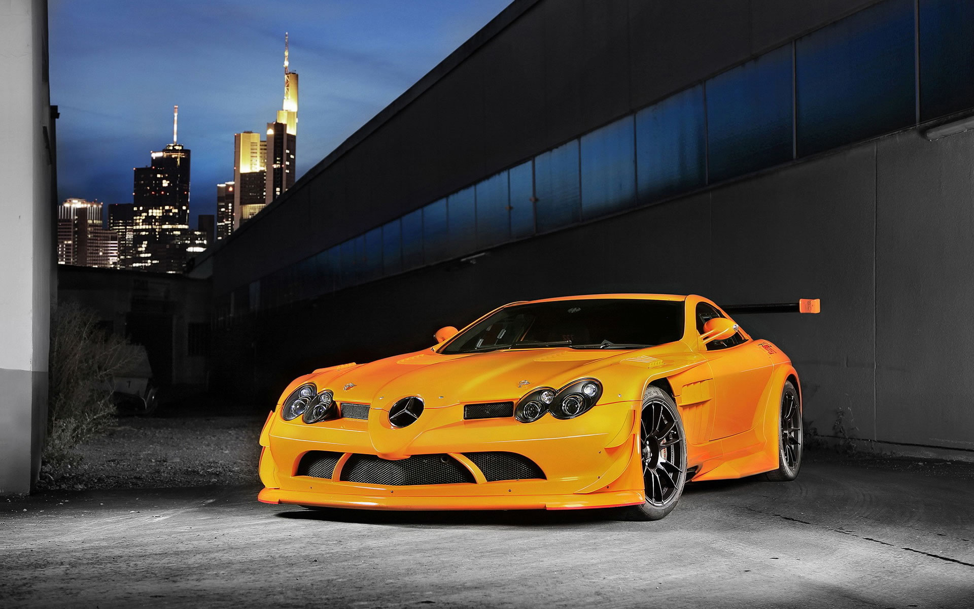 Mercedes Tunning Amarillo Wallpapers