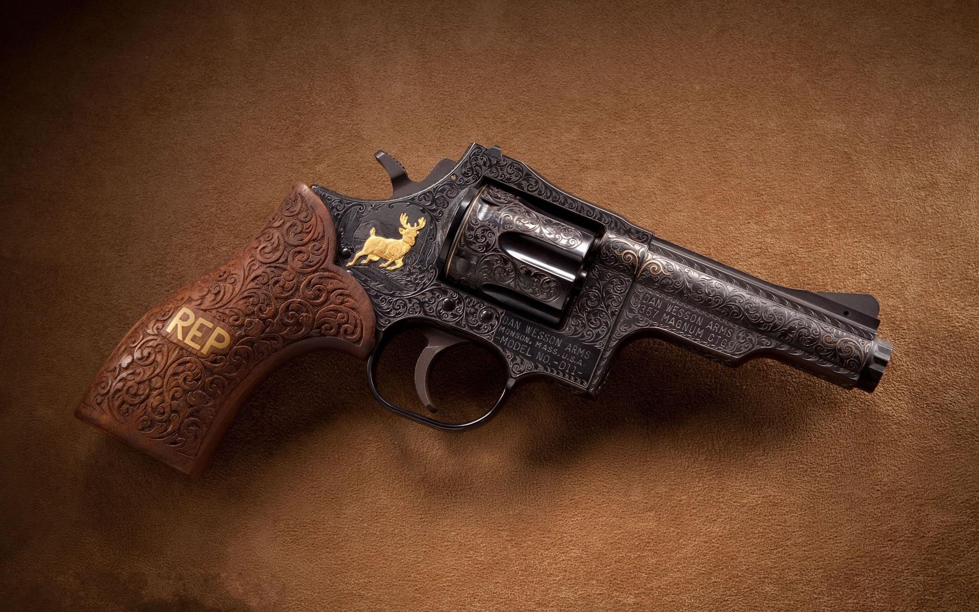 Wallpaper Revolver Magnum