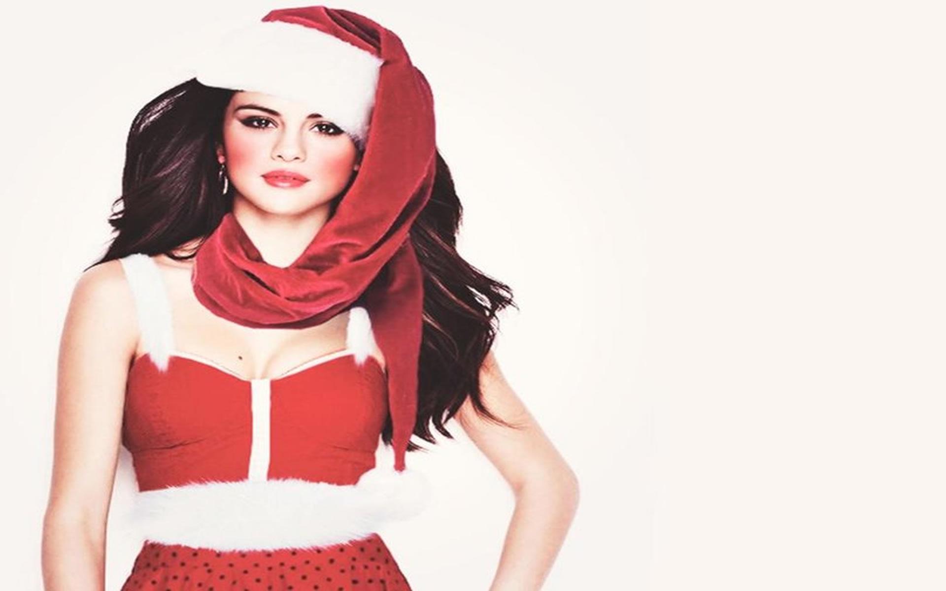 Mamá noel Celebritie Selena Gomez