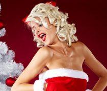 Ayudante Santa Claus con Piercing
