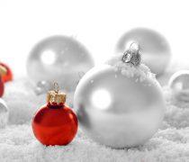 Bolas de Navidad Blancas y Rojas