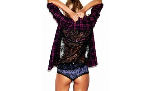 Candice Swanepoel de espalda.