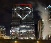 Corazón en Rascacielos Fondo San Valentín.