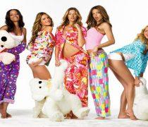 Fiesta de Pijamas con Chicas Sexys