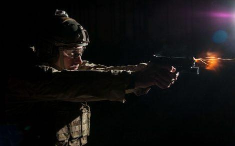 Fondos Militares Soldado Disparando.