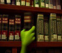 Monsters University Biblioteca.