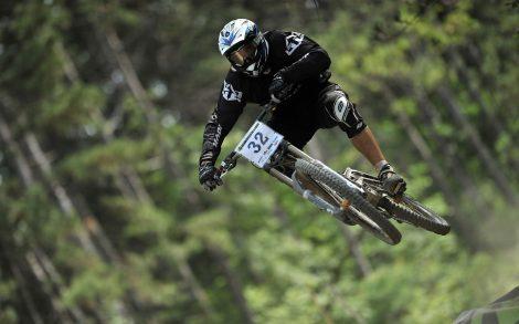 Salto espectacular en Mountain Bike