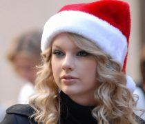 Taylor Swift con gorrito Santa Claus